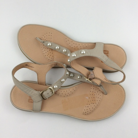 a548f7883a9730 OUO Women s Casual Pearl Studded Thong Sandal